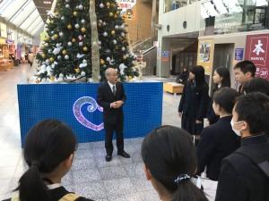 12月21日松山空港8時。 校長先生より、道明交流に出発する生徒たちに訓示が行われました。