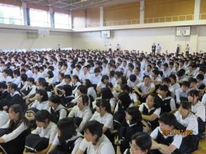 中1から高Ⅱ生が歓迎式を催しました。