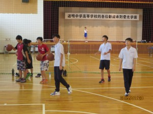 続いてバスケットボール。道明生も朝、昼、放課後にバスケットボールに夢中になるそうです。