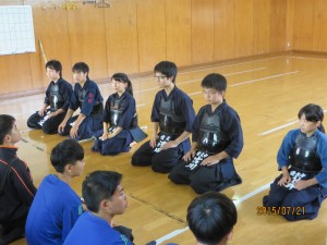 放課後は剣道部を見学しました。