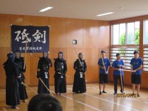 剣道の練習も行いました。