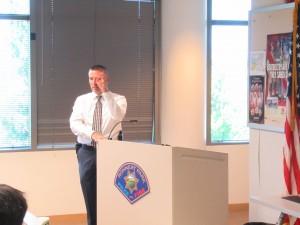 Commanderのジョンソンさんからもお話を聞きました。Friendly Cityは彼らが守っているのです。日本でも同様です。日夜警察官や消防士の方々が住民を守ってくださっていることに感謝です。
