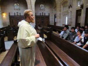 Micheal神父様と対面するいことができました。旧教職員のNelson神父様のお友達で、その御縁でお会いすることができました。