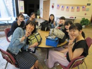 生徒たちが夜はぐっすりと眠れているだろうか。体調は大丈夫だろうか。ホストファミリーと楽しく過ごせているだろうか。