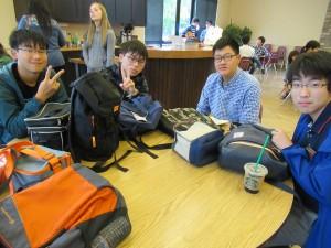 生徒たちが全員元気で楽しそうにしているのを見ると引率者はホッとします。