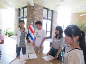 午後からは英語レッスンです。各グループに分かれました。