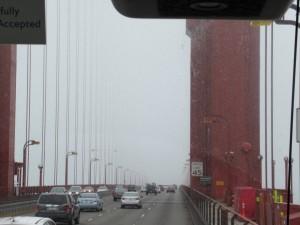 霧のサンフランシスコへ。今日はサンフランシスコ観光です。残念ながら朝から霧・霧・寒い朝となりました。